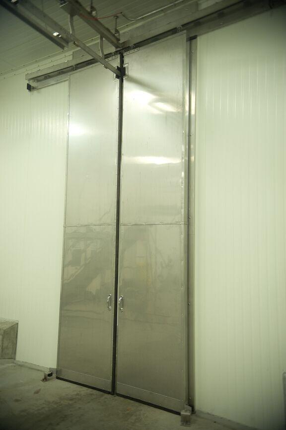 horizontal sliding metal3
