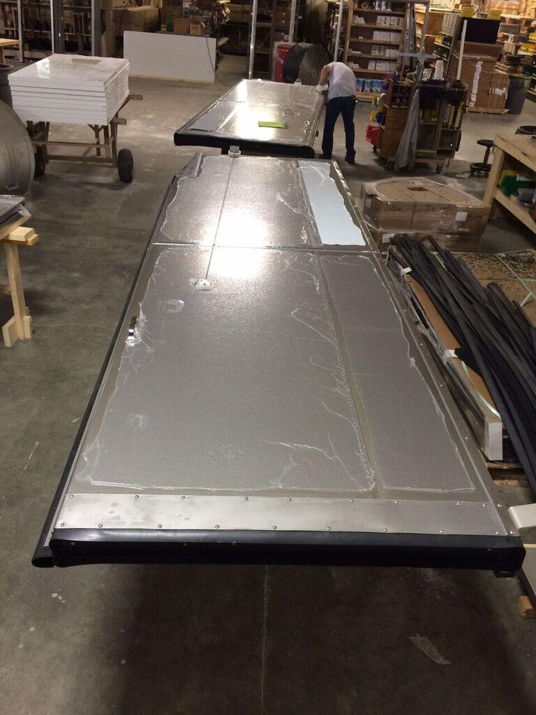 horizontal sliding metal5